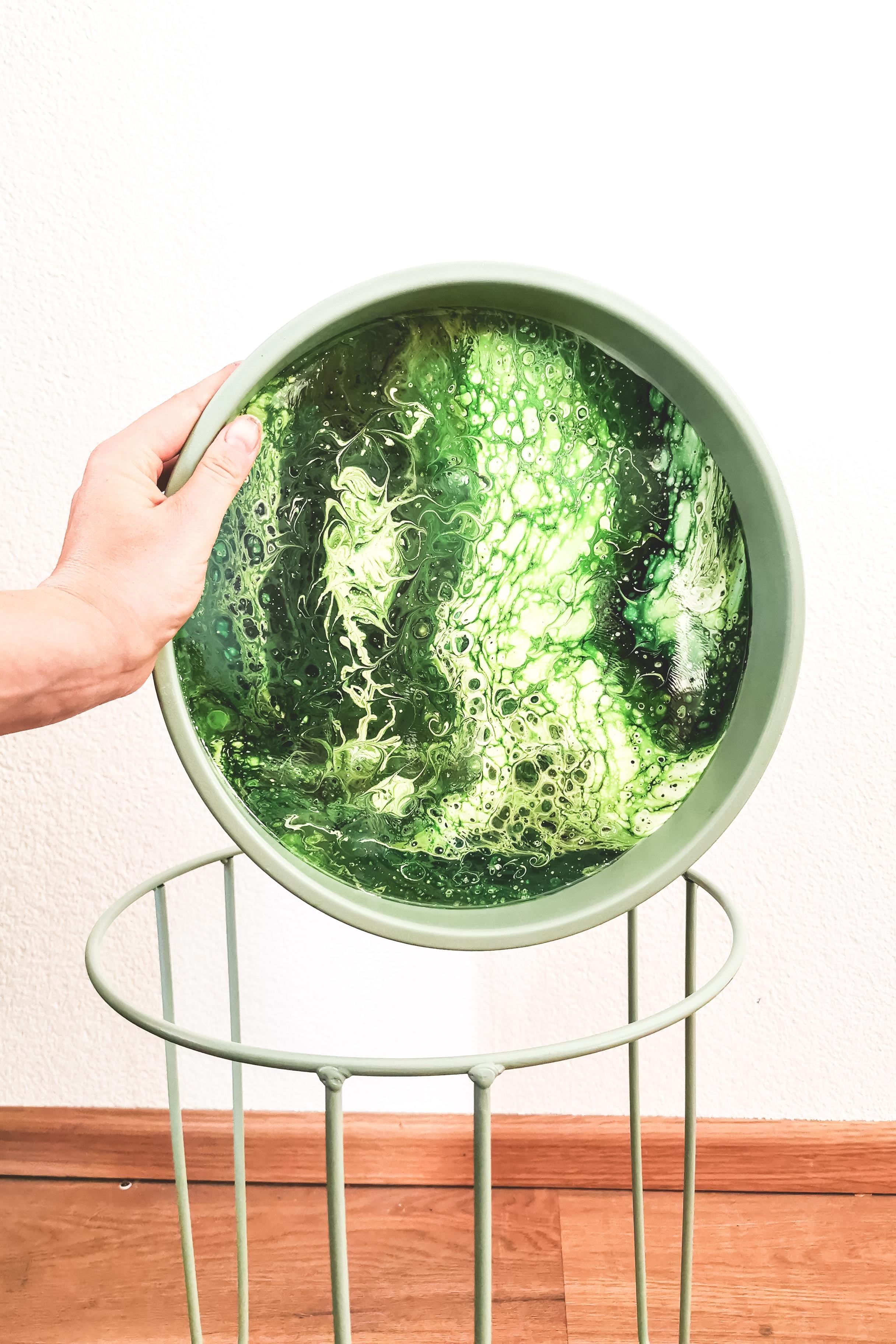 Bijzettafel groen gegoten abstract kunst epoxy